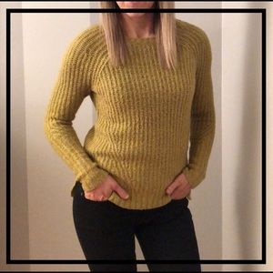 AEO Stylish Fuzzy Comfy Sweater